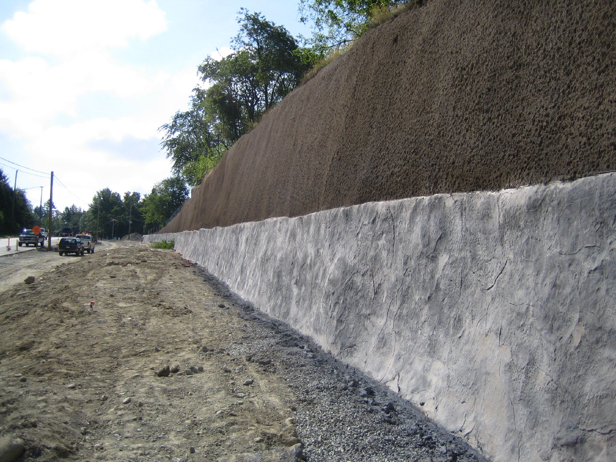 retaining-wall-along-road